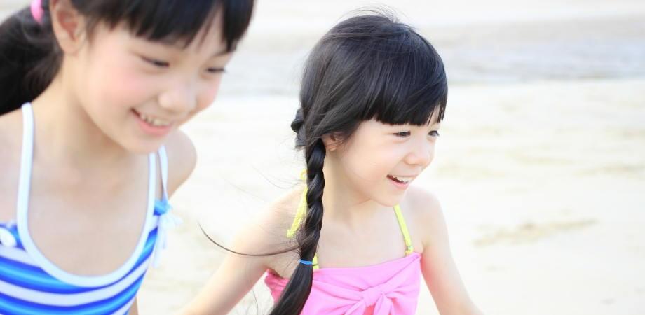 dziecko-nad-morzem