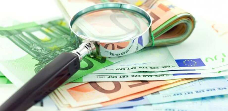 sprawdzanie banknotów euro